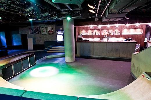 Innenraum des Clubs Schräglage in Stuttgart