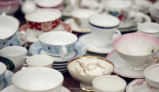 Geschirr und Porzellan für den Polterabend