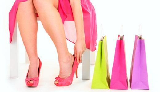 Frau mit Shopping Bags